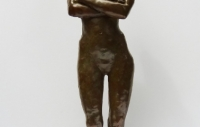 nu-debout-bras-croises-50cm